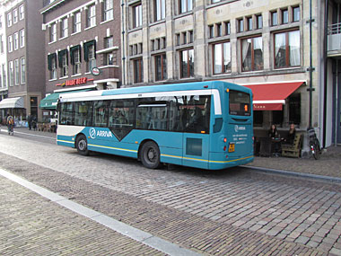 Geëscorteerde bus was training